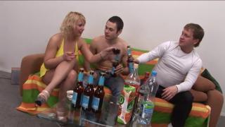 Секс с опьяневшей Любаней